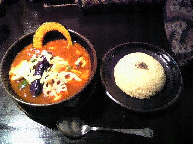 RAMAI@関内でチキンのスープカレー